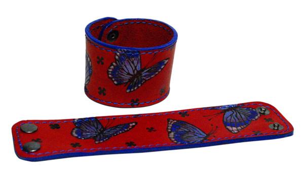 Браслет с бабочками красный