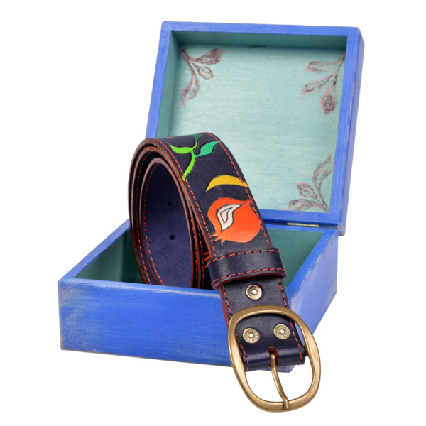 Ремень кожаный с ручной росписью «Гранаты» в шкатулке