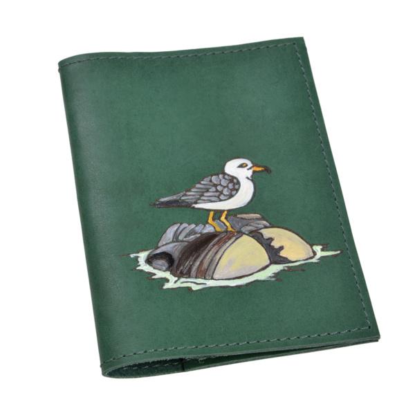 Обложка на паспорт кожаная «Чайка на камне»