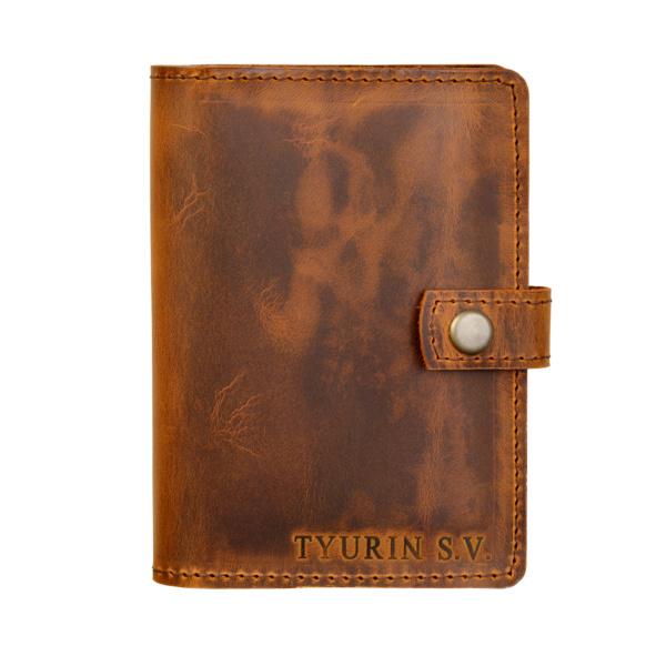 Обложка на паспорт с карманами и именным тиснением из кожи крейзи хорс табак